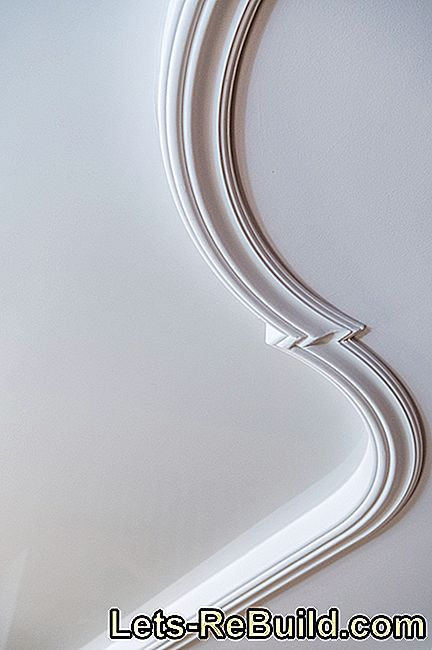 Fix decorative moldings precisely with preparation