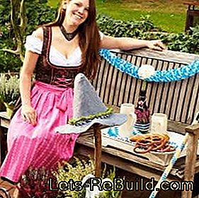Oktoberfest decoration: terrace and balcony design for the Oktoberfest party: balcony