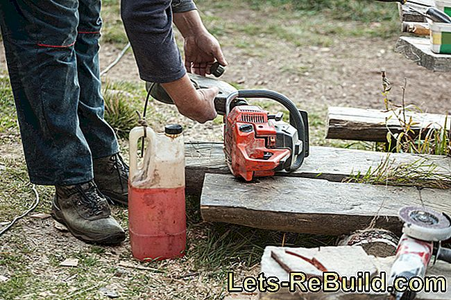 Chain saw: Check and adjust chain lubrication