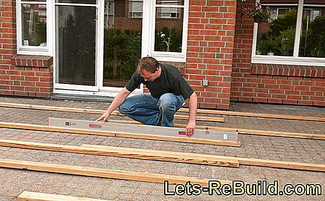 Lay The Decking Correctly - 4 Step Instructions