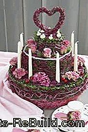 Blumengesteck Hochzeit: Wedding cake as floral arrangement - Creative decoration idea for floral wedding decoration: cake