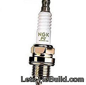 Replacement of spark plugs: plug