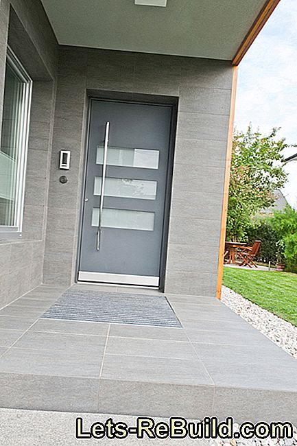 Front door made of aluminum or plastic?