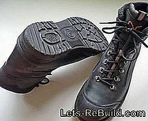 Safety shoes: From steel caps and rubber soles: steel