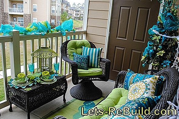 Balcony Design » A Small Balcony Very Big