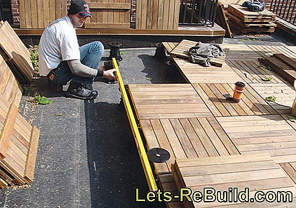How to lay your balcony slabs on pedestals
