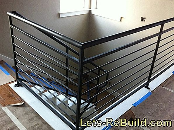 Minimum height for balcony railing