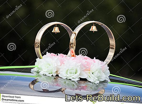 Car jewelery for the wedding - flower decoration for the wedding car -