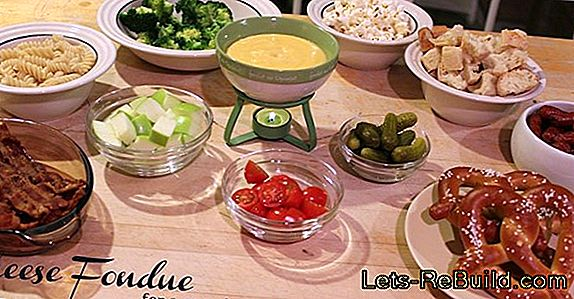 Cheese Fondue - Recipes For Cheese Fondues On New Year'S Eve