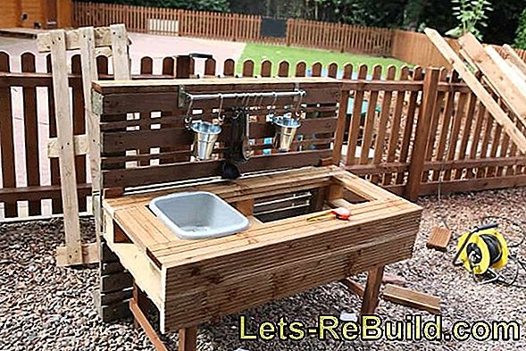 Build A Mud Table With A Gully