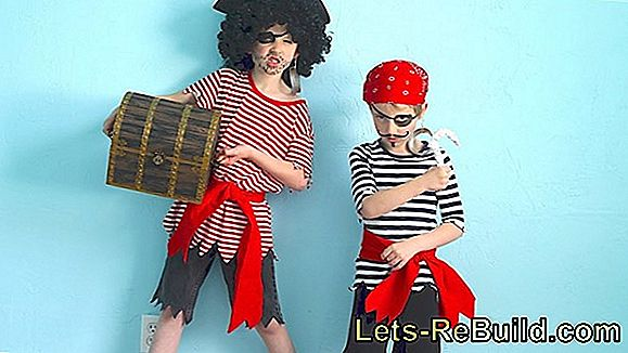 Make Pirate Costume Yourself