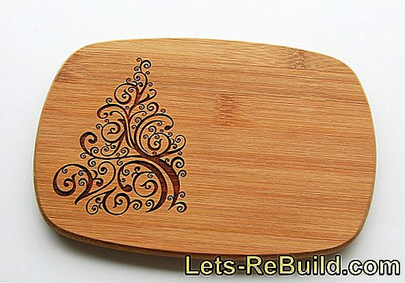 Engrave wooden board: Easter cake wooden board with personal engraving