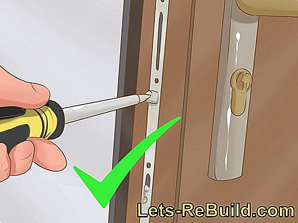 Change Front Door Lock » Instructions In 4 Steps