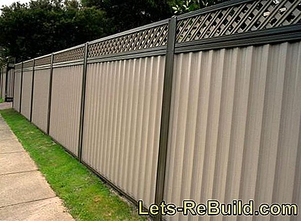 The prices and costs for a concrete fence