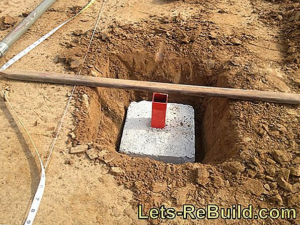 Concrete ground anchor with foundation or base