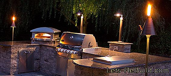 Outdoor Kitchen In The Garden » These Options Are Available