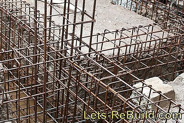 Double Pole Mesh Fence » Which Foundation Is Suitable?