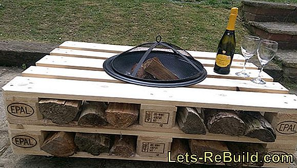 Garden table made of pallets