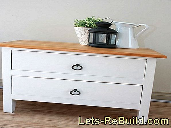 DIY: Bedside table in shabby chic design
