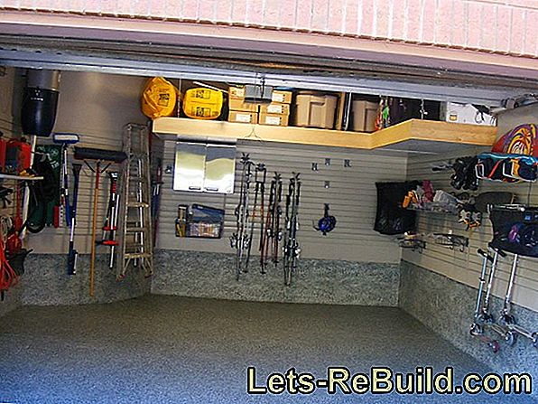 Build a bike garage yourself - is that possible?