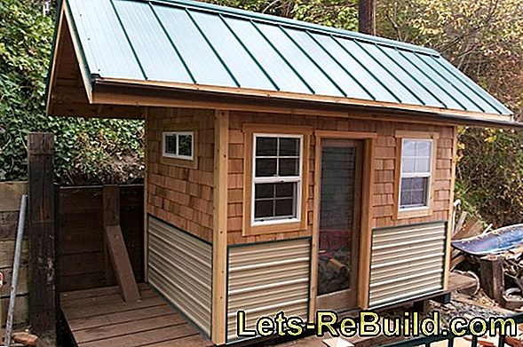 A garden shed with a flat roof is nice and cheap