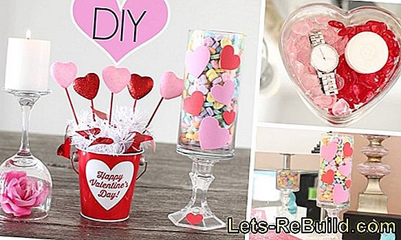 Make flower decoration for Valentine's Day yourself