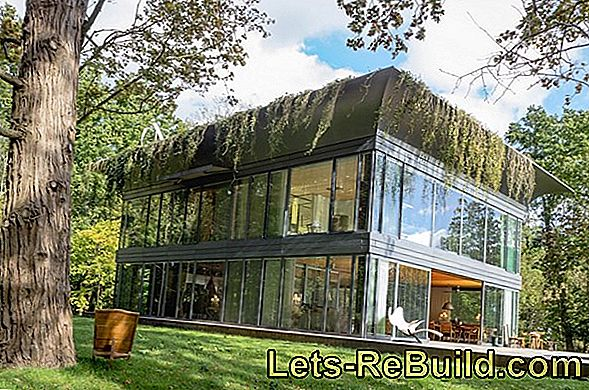 Roof Greening On The Garage Roof - Green Roof For Prefabricated Garage - Green Roofs For Garages