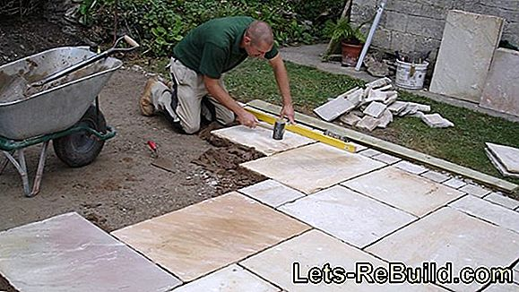 Correctly lay a natural stone terrace