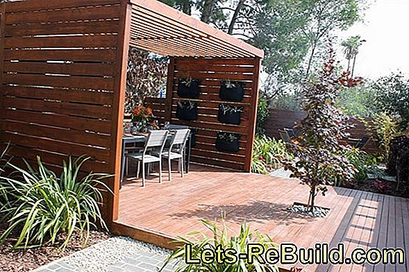 Pergola and garden fence: build a fence yourself