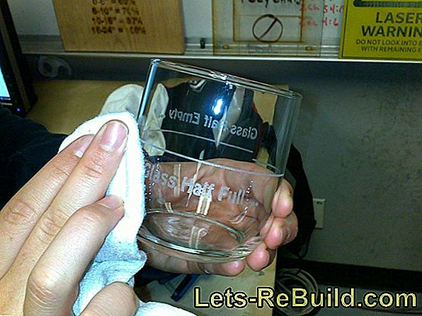 Engrave glasses yourself - that's how it works