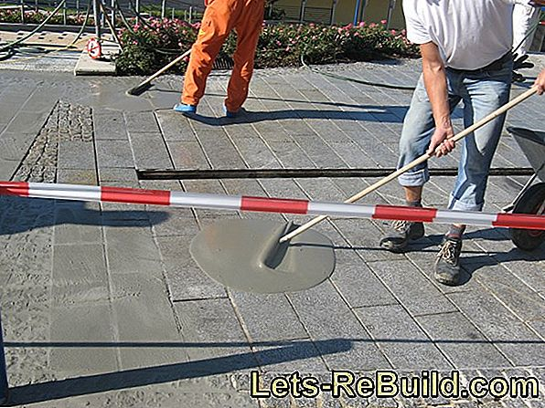 Apply pavement joint mortar to a homogeneous mass
