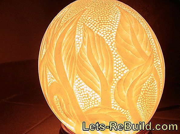 Easter Lamp: Ostrich Egg Deco In Delicate Lace Garment