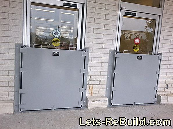 Flood Protection Doors And Flood Protection Walls