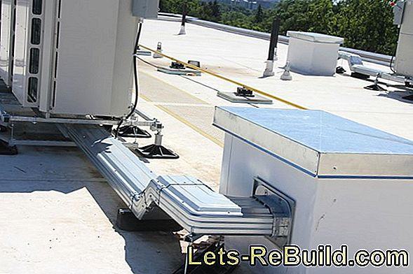 Seal The Roof With Mounting Foam - Construction Foam For Large Areas Inside And Outside