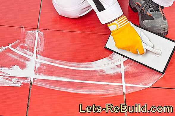 Grouting with acrylic - clean joints in no time