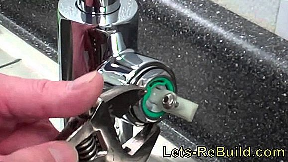 Change Kitchen Faucet Cartridge » Instructions In 3 Steps