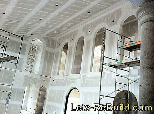 Lime plaster has some advantages from price to effect