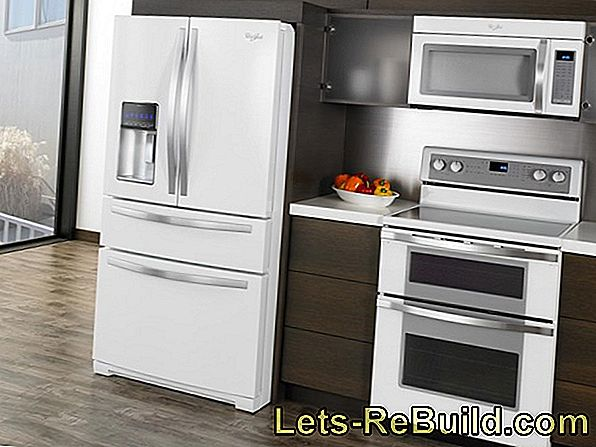 Oven next to refrigerator - arrangement of appliances