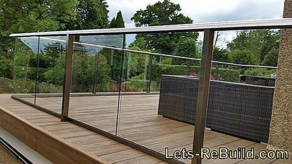 A durable balcony coating made of synthetic resin
