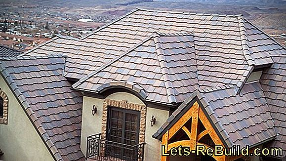 Flat roof tiles, especially for low roof pitches