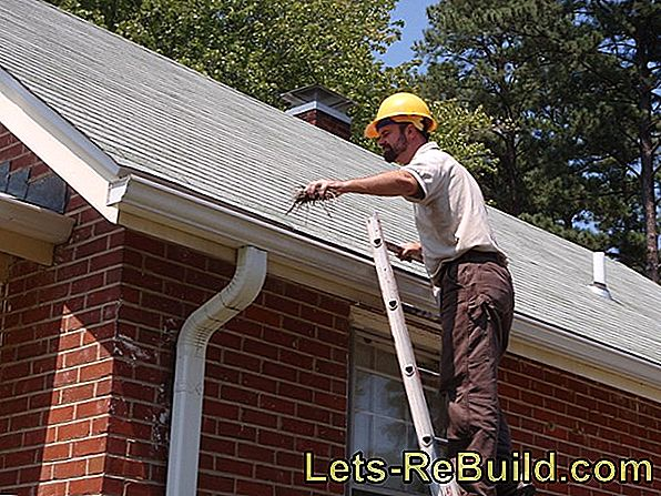 Clean roof windows without risk