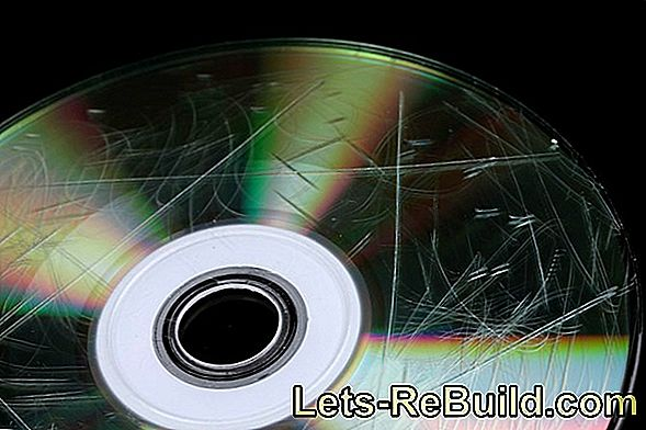 Remove scratches on the CD or DVD