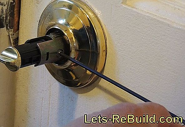 Screw Does Not Go Out » How To Solve It Easily