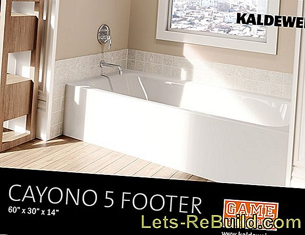 Flat shower trays for comfortable showering