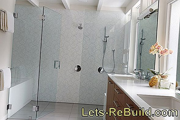 Modern shower fun with open shower