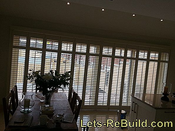 Blinds insulate against cold and noise