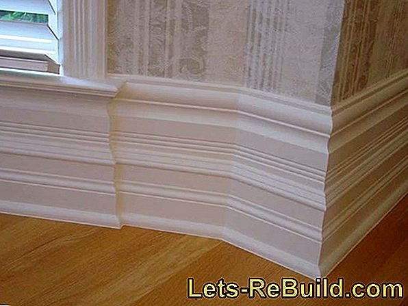 Skirting in white: high quality or simple qualities