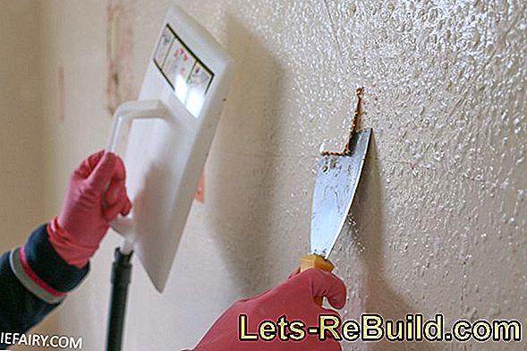 Expertly paint a woodchip wallpaper