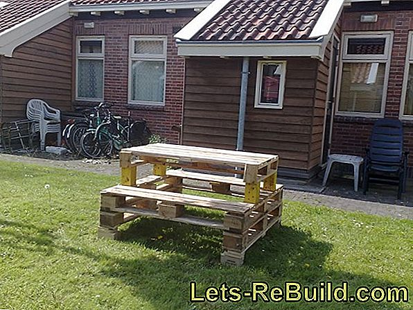 Table made of europallets - useful and cost-effective