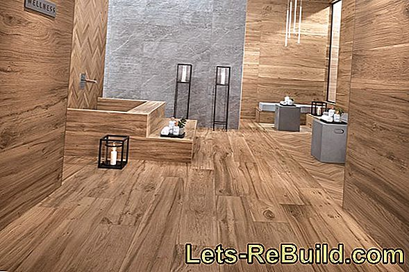 Bathroom tiles in wood: modern look in a rustic style